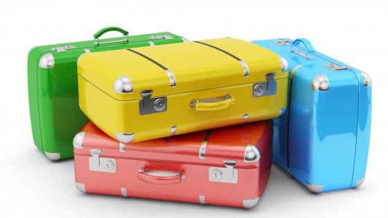 Какой чемодан лучше: пластик или поликарбонат?